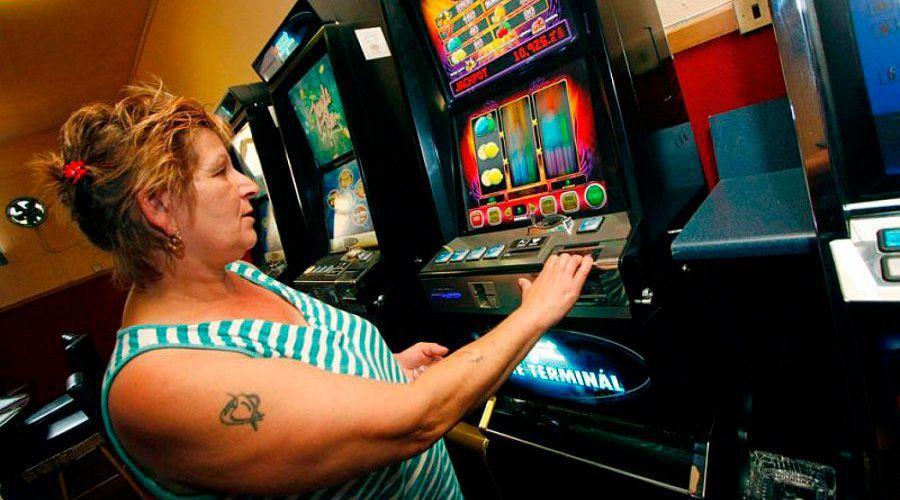 Психология игрока: почему он возвращается в казино даже после проигрыша?